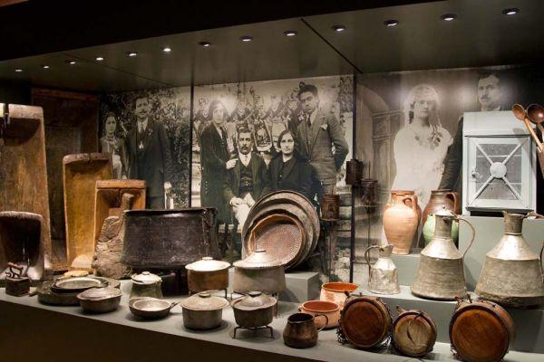 Ιστορικό και Λαογραφικό Μουσείο Αρναίας