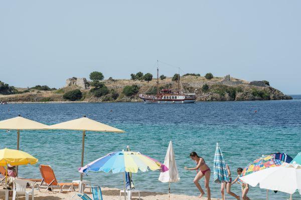 Παραλία Τορώνης