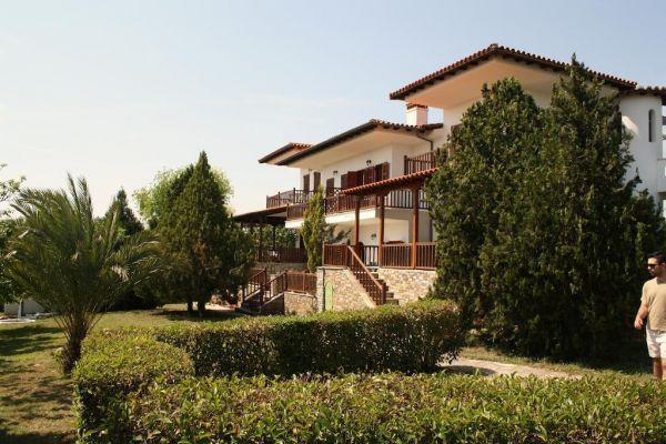 Villa Nikiti