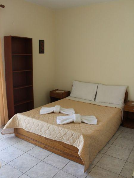 Hrisi Rooms